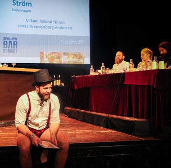Ström on stage, sans trousers.