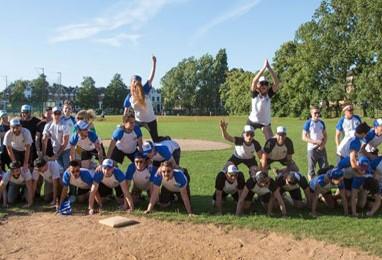 Underdogs Win 2016 Bacardi Classics Softball